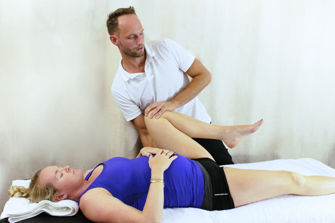 Osteopathic and orthopaedic assessment of sports injuries and joint pain by osteopath Dr Christoph Datler at Blackheath Sports Clinic