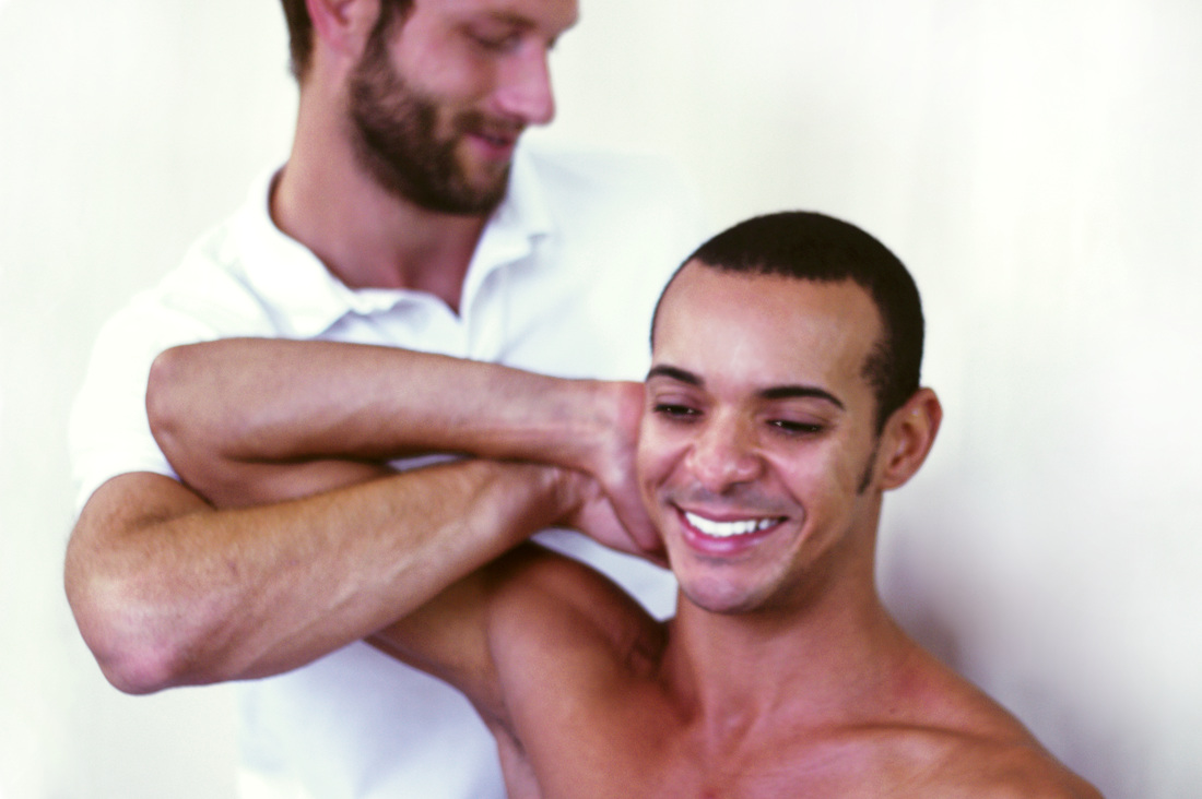 Osteopath Dr Christoph Datler from Blackheath Sporst Injury Clinic provides expert osteopathic treatment and phyiotherapy
