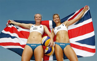 Olympic Beach Volleyball player Shauna Mullin supports Blackheath Sports Clinic
